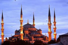 Favorite Istanbul sightseeing destination, the Blue Mosque seen on walking day tour by Archaeologous